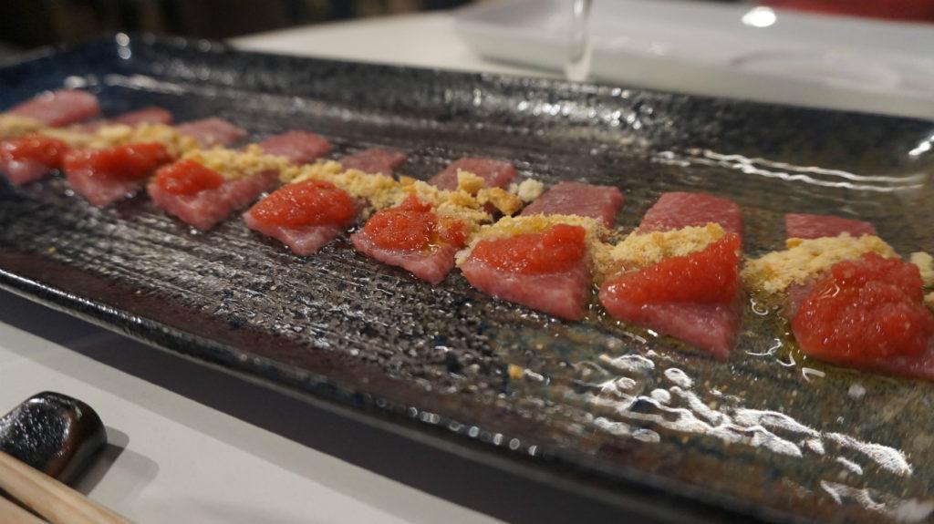 Usuzukuri de atún con pan y tomate de Ricardo Sanz