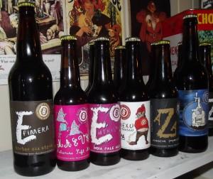 Diferentes sellos de cervezas elaboradas por Bayura