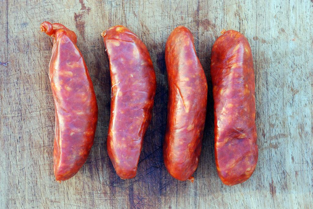Chorizos frescos elaborados durante la matanza