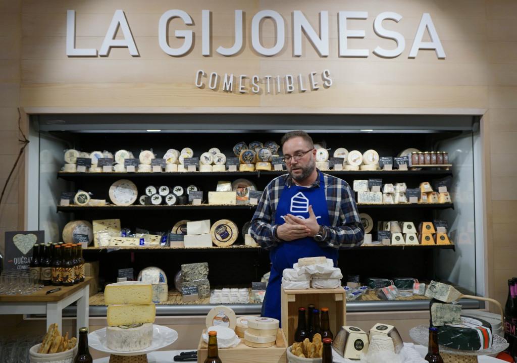 Cata de quesos y cervezas en La Gijonesa, con Lluis Nel