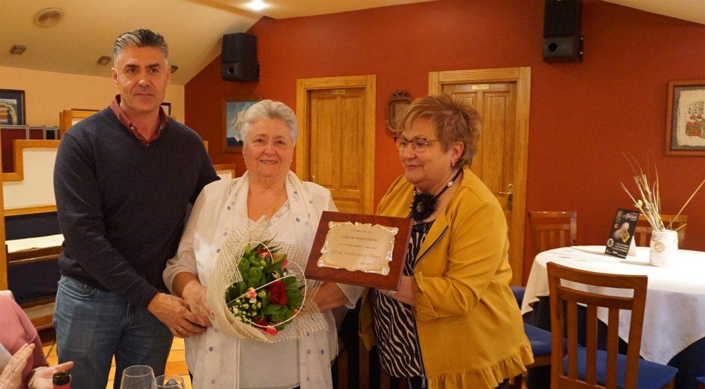 Homenaje a Leni, de Los Pisones, durante el encuentro de 2019 del Club de Guisanderas