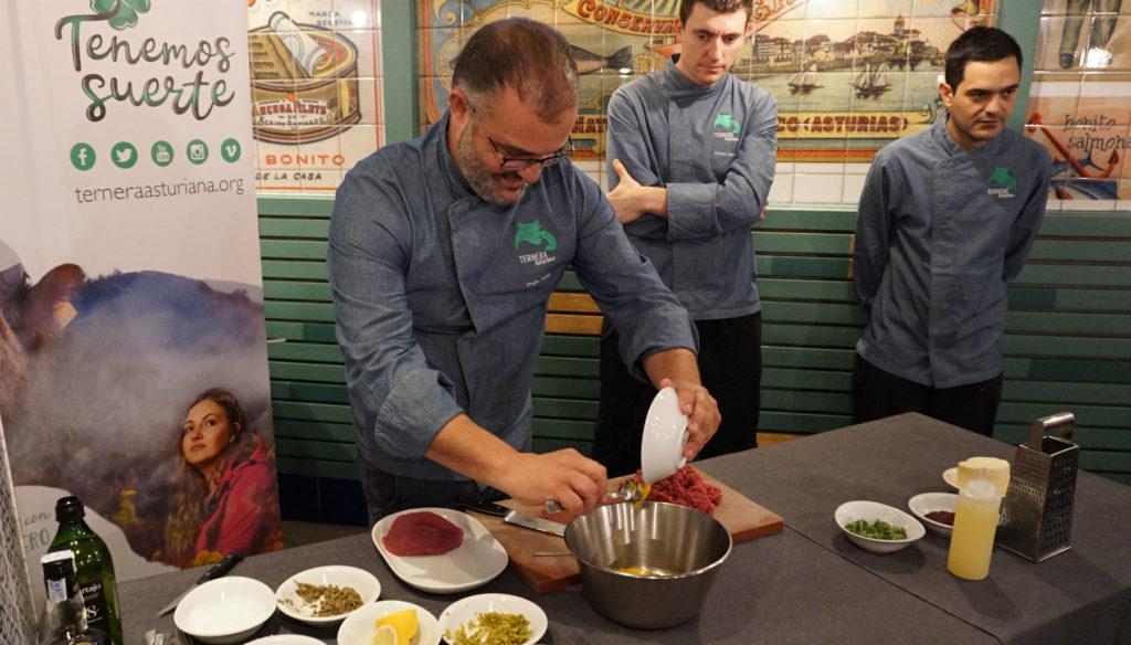 Cocina en directo en La Mar y Morena con Ternera Asturiana